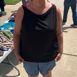 REVERSIBLE BLACK AND PINK sleeveless top